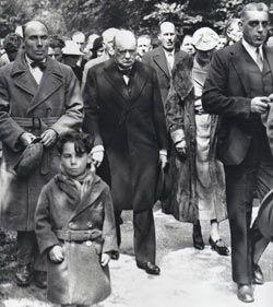 Churchill_T.E._Lawrence_funeral